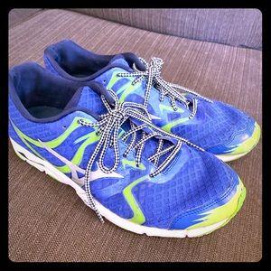 Mizuno Men's 9.5 running shoes